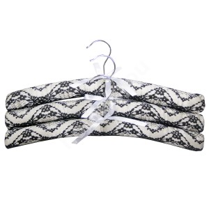 Cloth hangers 3pcs/set, cover material: satin, color: white/black lace